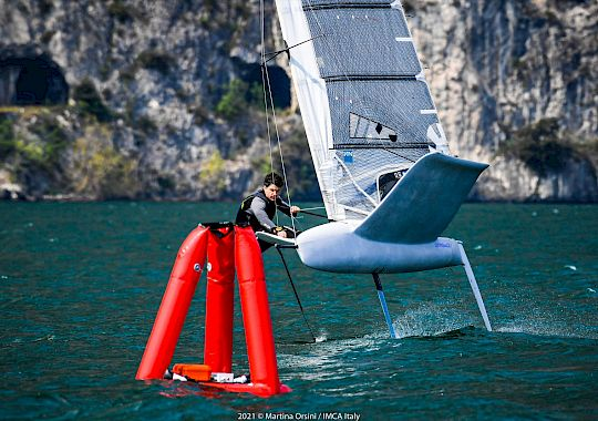 foiling_easter_regatta_univela_campione_del_garda_moth_and_a-cat_-_by_martina_orsini_2021_558.jpg